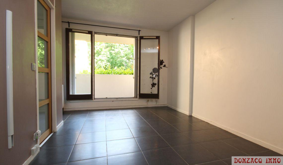 bayonne beyris t2 avec balcon donnant sur la verdure immobilier donzacq immo. Black Bedroom Furniture Sets. Home Design Ideas
